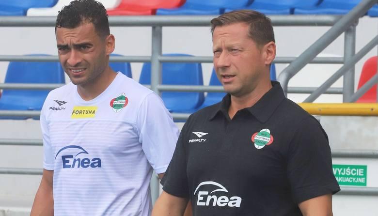 Dariusz Banasik, trener Radomiaka Radom: - Chcieliśmy od samego początku, żeby boisko było podlewane, niestety nie było polane