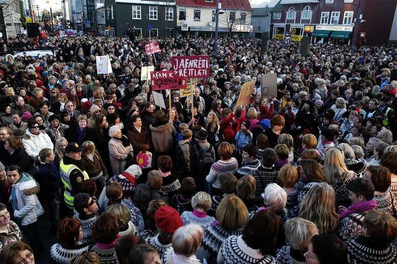 Strajk kobiet w Islandii, 24 października 1975 r.Dlaczego doszło do strajku?Kobiety w Islandii w latach 70. nie mogły liczyć na takie same wynagrodzenia,