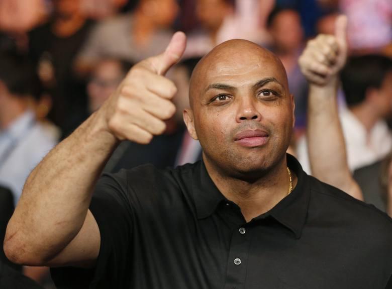 """Skandaliczne zachowanie byłego koszykarza NBA. """"Nie biję kobiet, ale gdybym to robił, uderzyłbym cię"""" - powiedział Charles Barkley"""