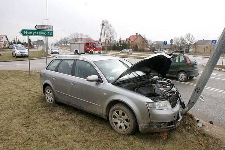 Brańsk. 83-letni kierowca fiata prawdopodobnie spowodował wypadek (zdjęcia)