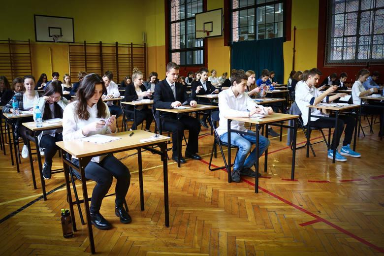 Nie każdemu egzamin gimnazjalny pójdzie perfekcyjnie. Nie każdy był prymusem w gimnazjum: naukowe talenty niektórych rozkwitną dopiero w ogólniakach.