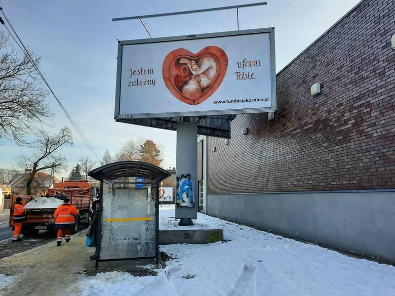 Kampania promująca hospicja perinatalne to tysiące billboardów i plakatów w największych miastach w Polsce. Tu - w Katowicach.Zobacz kolejne zdjęcia.