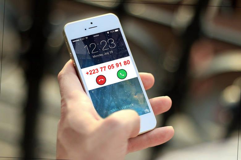 Kierunkowy z Mali (+223) może być wzięty przez użytkownika telefonu za kierunkowy z Warszawy (+22)