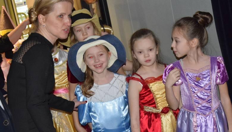 Koncert charytatywny w Ostrołęckim Centrum Kultury, zorganizowany przez uczniów Szkoły Podstawowej nr 10 [ZDJĘCIA, WIDEO]