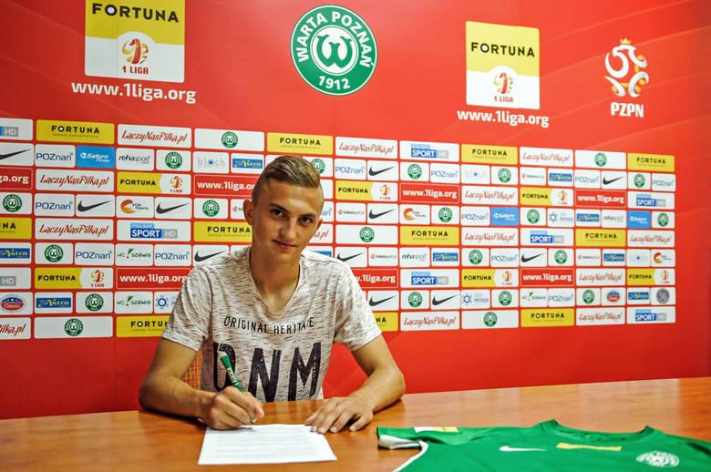 Piłkarz także skorzystał z rad starszego kolegi przed przyjściem do Zielonych. Wiktor Długosz miał okazję spotkać się z niedawnym obrońcą Warty Poznań