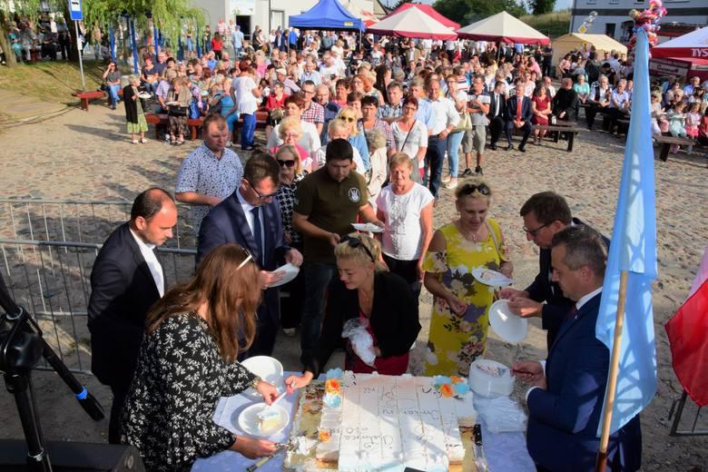 Już po raz osiemnasty w Chełmcach (gmina Kruszwica) spotkały się panie o imionach Maria i Marianna. Najpierw wzięły udział w mszy świętej w miejscowym