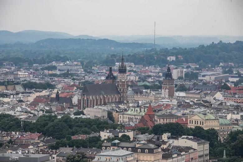 Raport cen mieszkań w Krakowie - wrzesień 2020 wg Sonar Home. Zobacz, w której dzielnicy średnia cena za metr kwadratowy jest najniższa, a w której najwyższa.