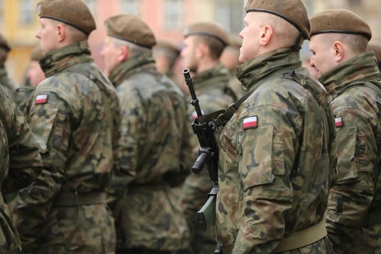 Jedną z osób zakażonych koronawirusem w Poznaniu jest żołnierz Wojsk Obrony Terytorialnej. Jego koledzy z kompanii są na kwarantannie