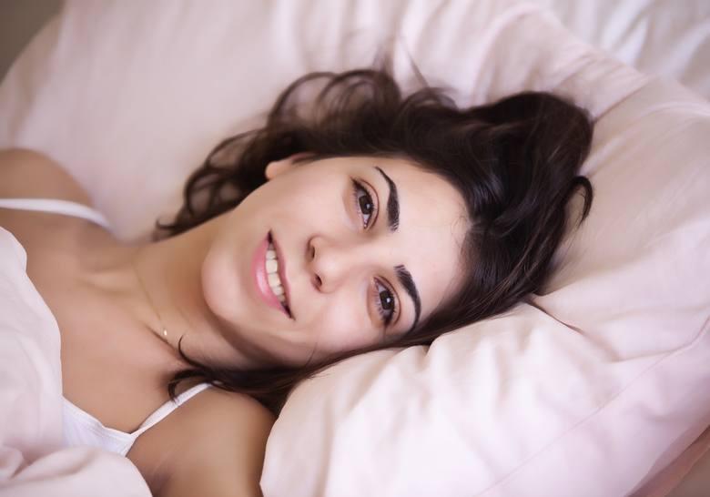1. Nie zarywaj nocy !Zadbaj o to, by dwie noce przed podaniem zastrzyku dobrze się wyspać. Sen generalnie wzmacnia układ odpornościowy. Dodatkowo badania