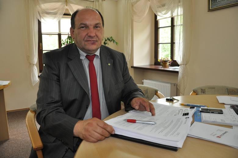 - Kiedy ja byłem burmistrzem, nikt z mojej rodziny nie był przyjmowany do żadnej gminnej jednostki  - krytykuje Ryszard Grüner, poprzedni burmistrz.
