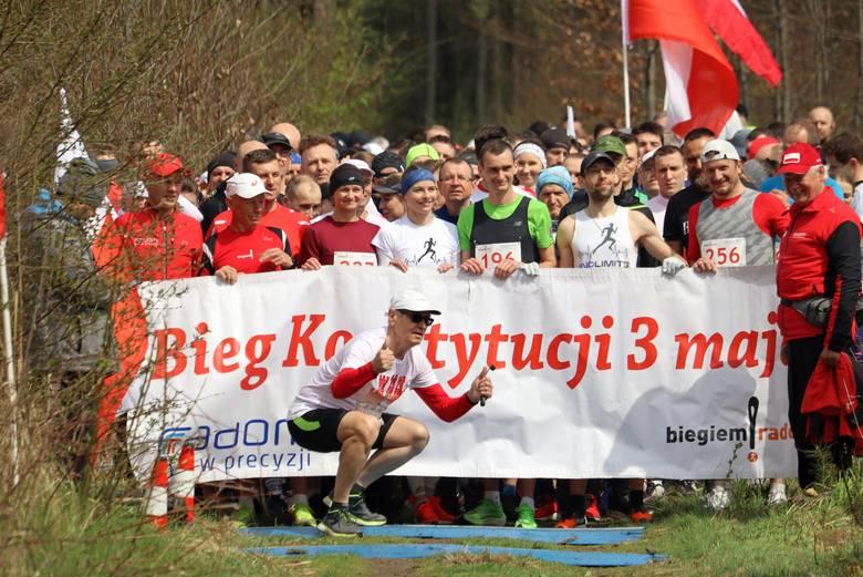 Bieg Konstytucji 3 maja w Lesie Kapturskim. Uczestniczyło prawie 300 osób (DUŻO ZDJĘĆ)