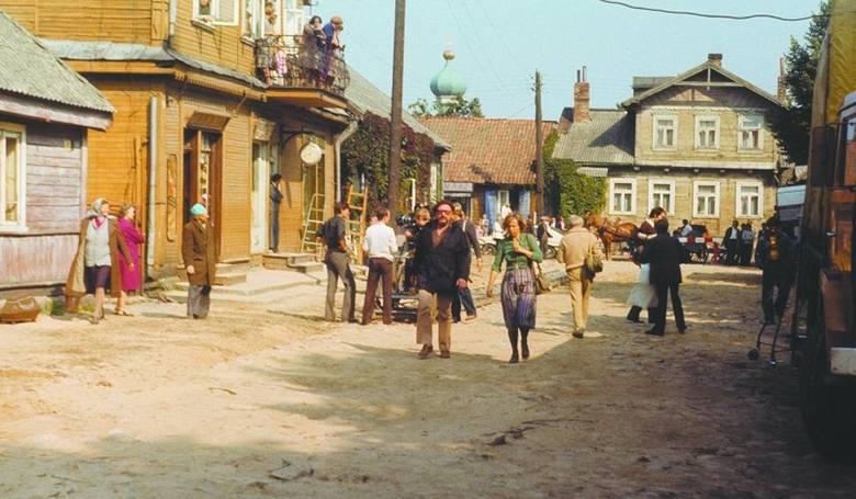 Późnym latem 1981 do Bielska Podlaskiego zawitał wielki świat. Do miasta zjechał reżyser Jerzy Hoffman z całą ekipą, aby nakręcić większość ujęć plenerowych