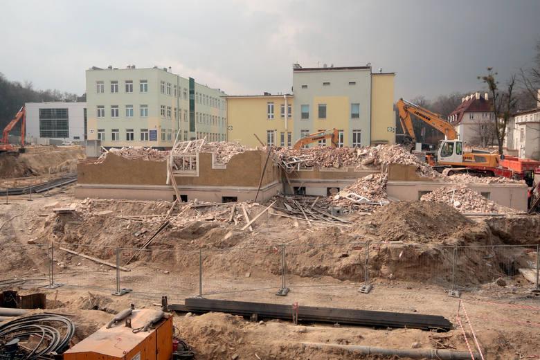 Rozbiórka budynku dermatologii UCK