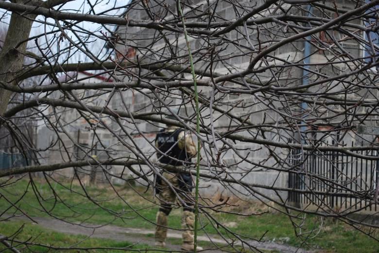 Kontrterroryści użyli granatów hukowych