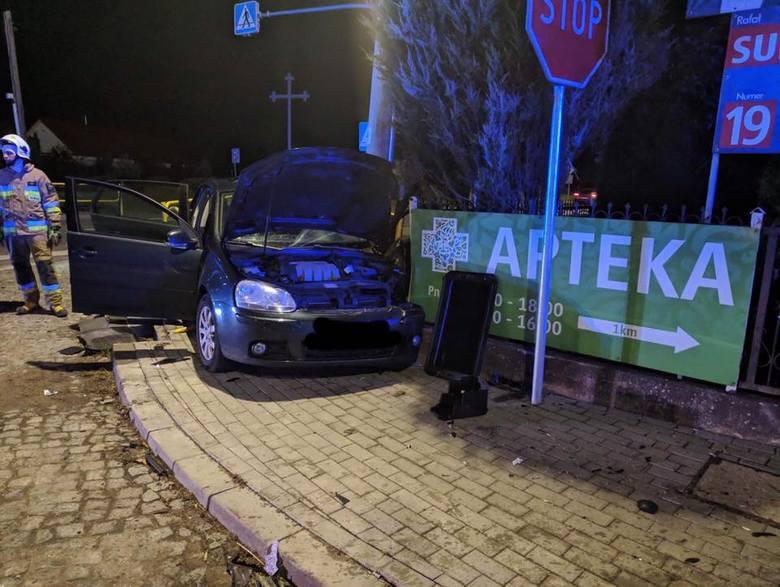 Knyszyn: Wypadek na DK 65. Na skrzyżowaniu zderzyły się dwa samochody osobowe [ZDJĘCIA]