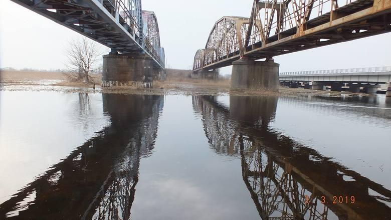 Zobacz jak przebiega modernizacja mostu na rzece Narew (zdjęcia)