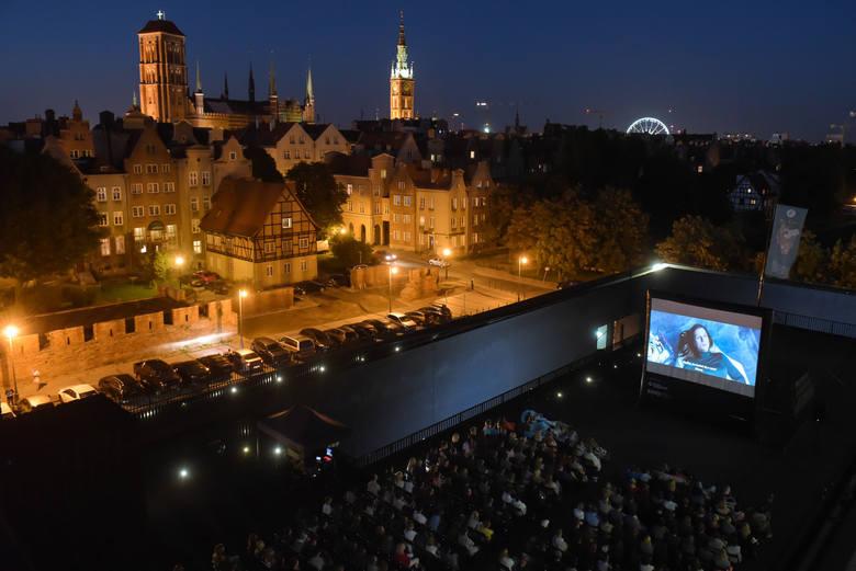 Plenerowe seanse w Gdańsku, Gdyni i Sopocie. Co i gdzie zobaczyć? Kino letnie w Trójmieście