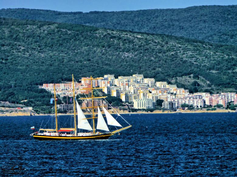 2. W Bułgarii jeden dzień wakacji kosztuje od 280 zł. Najtańszy jest Słoneczny Brzeg w sierpniu.