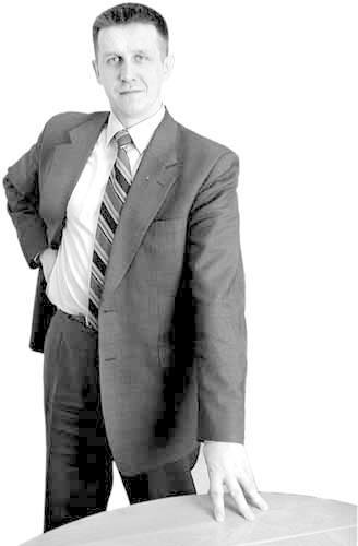 JAN BURY - Urodzony 1 października 1963 r. w Przeworsku. Wykształcenie wyższe, prawnik, absolwent rzeszowskiej Filii UMCS. W wyborach do Sejmu dostał