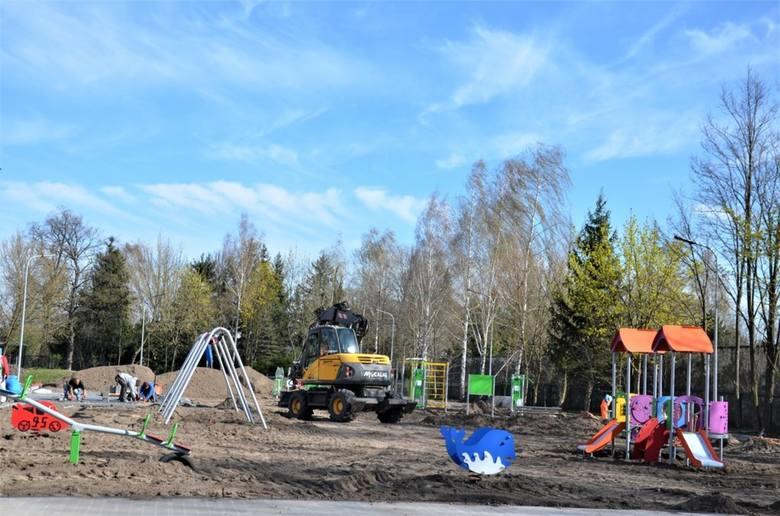 Przy ośrodku kultury w Skaryszewie powstaje miejsce do zabaw i spotkań dzieci i młodzieży.