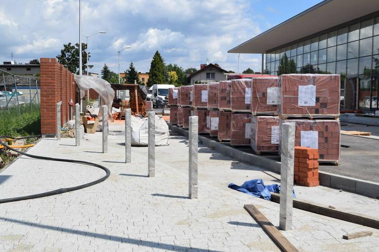 Trwa budowa dworca autobusowego w Żorach. Będzie głównym punktem centrum przesiadkowego.
