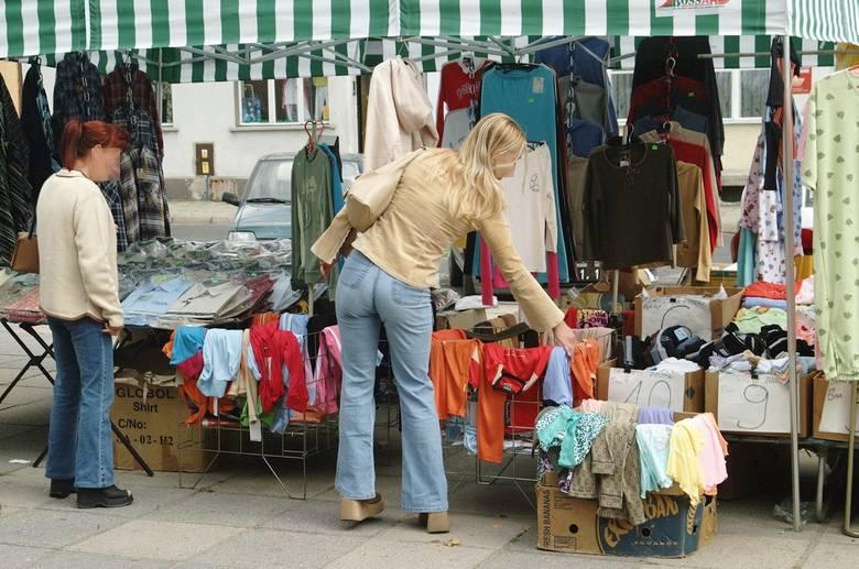 Tak ubierali się Lubuszanie 20 lat temu. To były prawdziwe hity! Buty z czubem, futerka, dzwony, puchowe kurtki. Też takie mieliście?