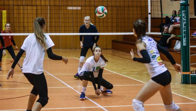KS Pałac I Bydgoszcz - KS Pałac II BydgoszczSiatkówka. Ogólnopolski turniej juniorek z udziałem 10 drużyn