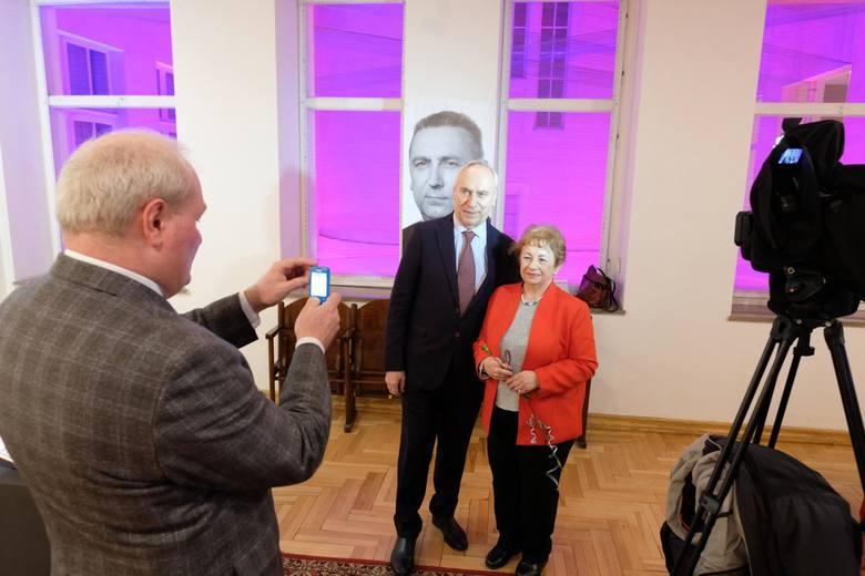 Wystawa Edward Gierek. Między Wschodem a Zachodem. Sosnowiec 8 marca 2018 r. Podczas otwarcia obecny był tez syn Edwarda Gierka, prof. Adam Gierek<br /> <br />