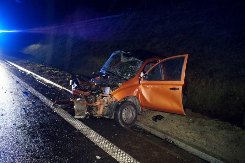 Śmiertelny wypadek na obwodnicy Słupska. Do tragicznego w skutkach zdarzenia doszło po godzinie 19. w pobliżu węzła Łosino. Według relacji świadków w