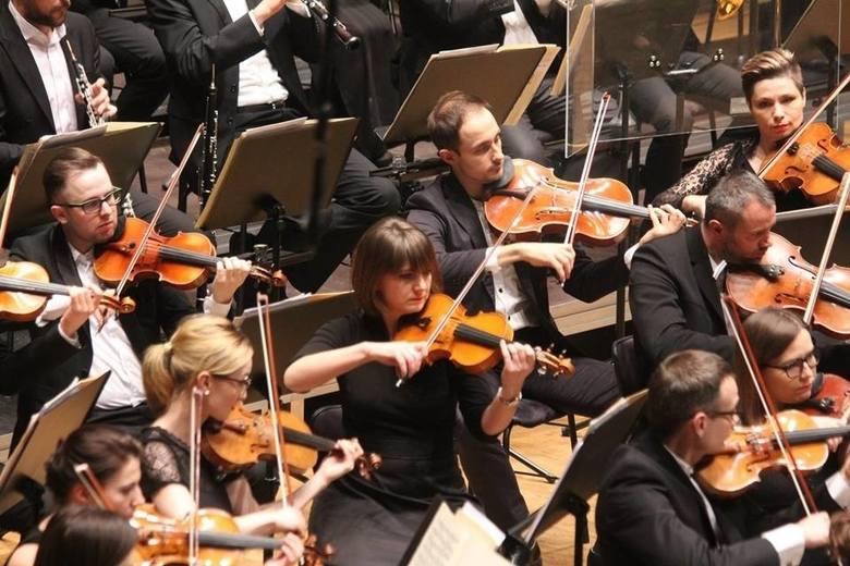Sezon artystyczny w filharmonii potrwa od 27 września 2019 do 19 czerwca 2020.