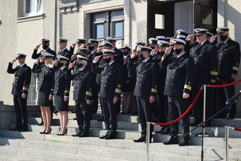 Stulecie Uniwersytetu Morskiego w Gdyni (17.06.2020). Apel, kapsuła czasu, msza święta i nowa nazwa przystanku SKM koło uczelni [ZDJĘCIA]
