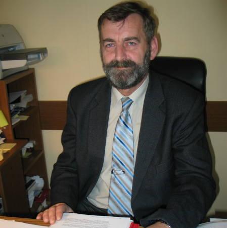 Waldemar Figura jest kierownikiem działu eksploatacji w SM Nadodrze. Z wykształcenia inżynier organizacji i zarządzania przedsiębiorstwami.