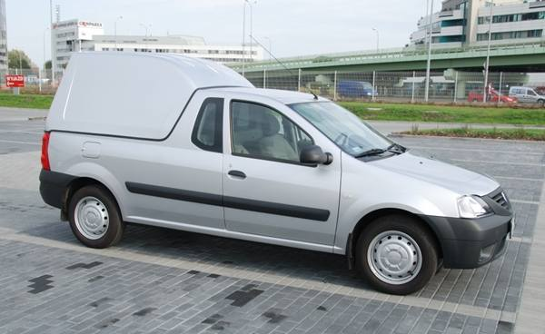 Dacia Logan pick-up z zabudową Cargobox.