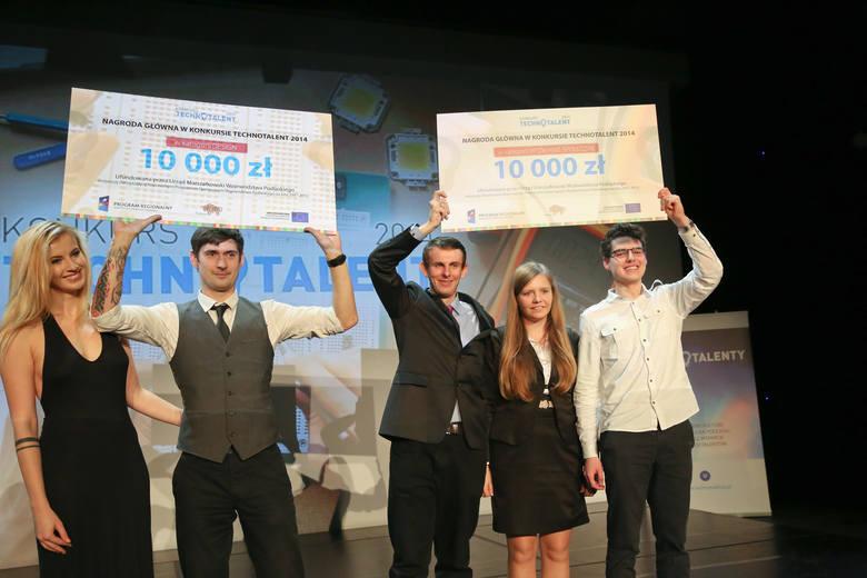 Od lewej: Paulina Staniszewska i Kamil Stysiak, Robert i  Aneta Bałdyga i Piotr Psyllos - laureaci Technotalent 2014 w kategoriach: design, wyzwanie