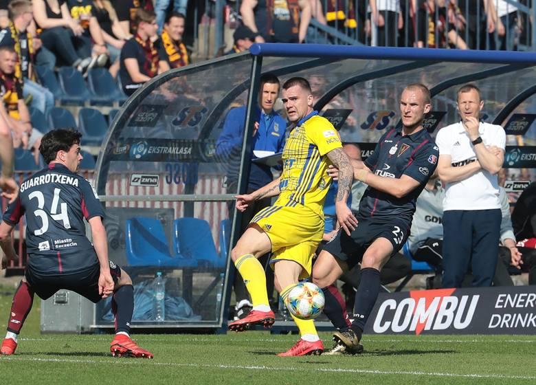 Jarosław Fojut – przez ciężką kontuzję wrócił dopiero na wiosnę. Sezon do zapomnienia, a przed doświadczonym zawodnikiem czas walki, by być choćby tym