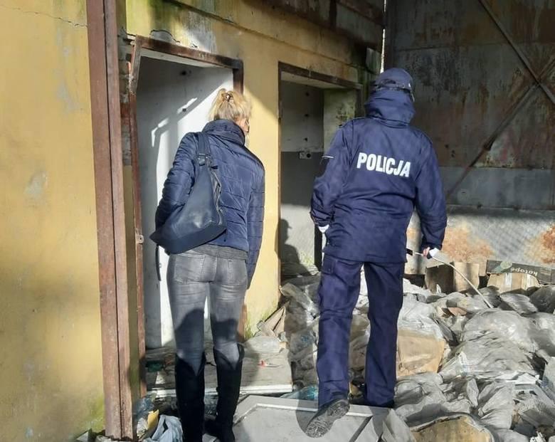 Sprawdzają schronienia osób bezdomnych. Policja i pracownicy socjalni na patrolach