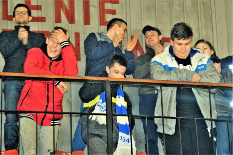 Kibice nie mogli wyjść z podziwu dla hokeistów Unii Oświęcim, że pokonali lidera ekstraklasy - Tauron Katowice 5:2