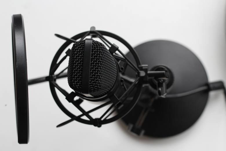 Na zdjęciu: mikrofon do wideo konferencji