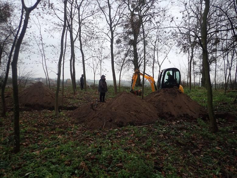 26 lutego Fundacja Pomost przeprowadziła ekshumację na grobie żołnierzy w miejscowości Orle, w gminie Gruta niedaleko Świecia. Więcej zdjęć i informacji