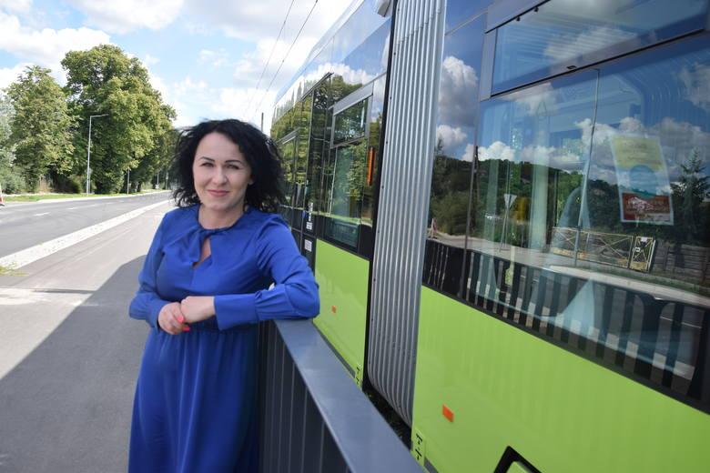 - Nie wierzyłam własnym oczom. Jednak można było zamontować barierki – mówi radna Paulina Szymotowicz.