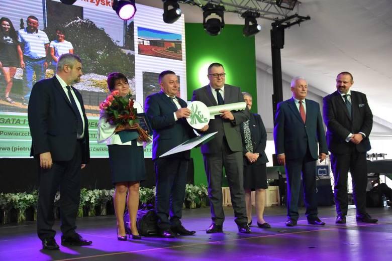 - Z ogromną satysfakcją obserwuję rosnącą świadomość potrzeby przestrzegania bezpieczeństwa w rolniczej pracy - mówił w piątek 21 września Adam Wojciech