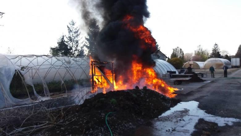 W czwartek (18 kwietnia) po południu przy ulicy Polnej w Janikowie doszło do pożaru. Jak informują strażacy z OSP Janikowo, spalił się drewniany magazynek