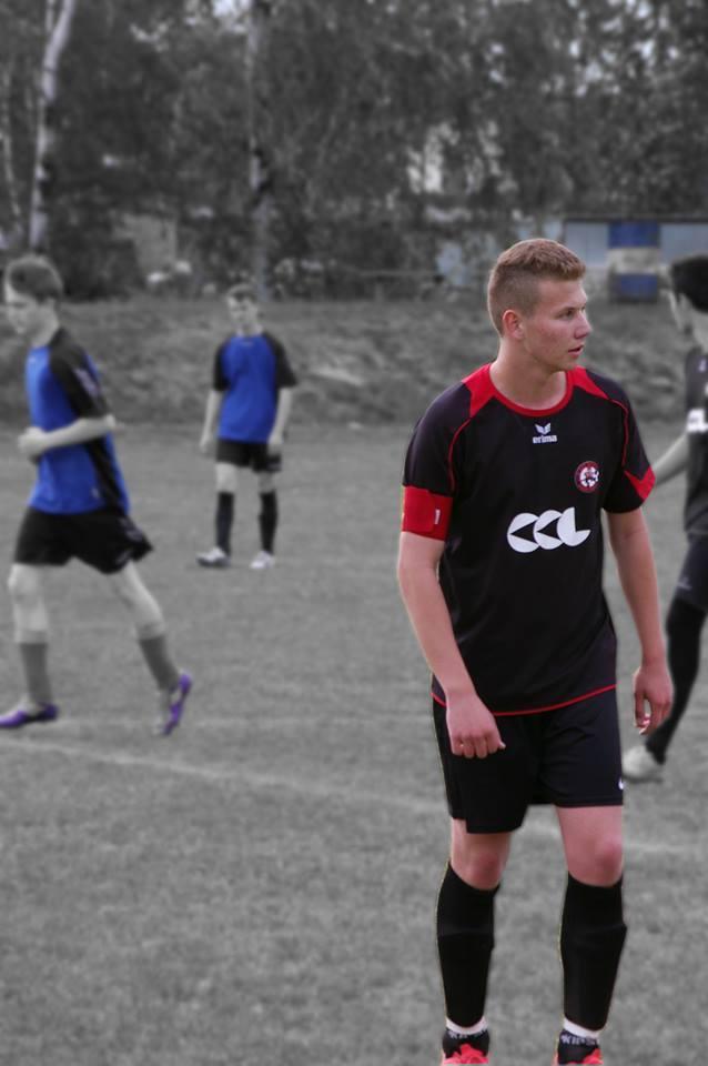 Filip kiedyś grał w piłkę, teraz walczy o zachowanie sprawności. Potrzebne są środki na rehabilitację i leczenie choroby kręgosłupa