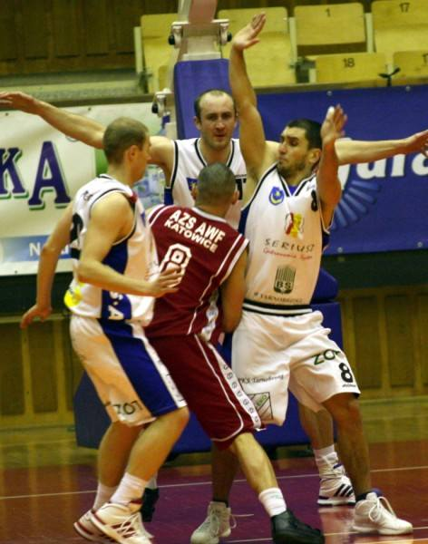 Siarkowcy wygrywają mecz za meczem. Katowican szybko odarli ze złudzeń.