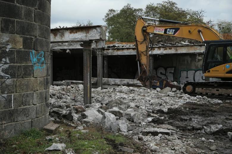 Burzenie starego i przygotowania do budowy nowego wiaduktu nad ulicą Smolecką przy skrzyżowaniu z Robotniczą