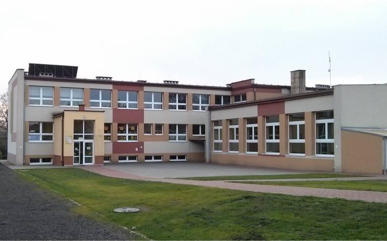Pompy ciepła w budynku szkoły