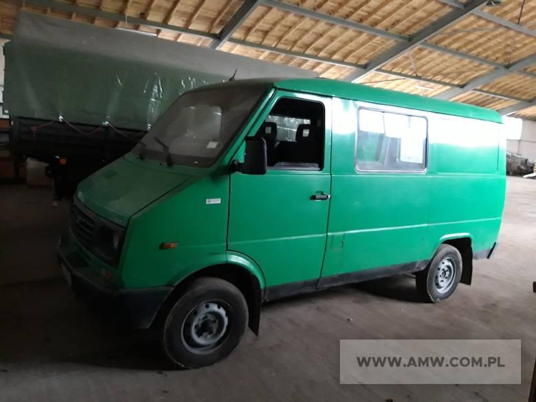 Samochód osobowy LUBLIN II 3322 2.4 DIlość:1NR fabryczny:SUL332212X0036405Rok produkcji:1999Cena:1500