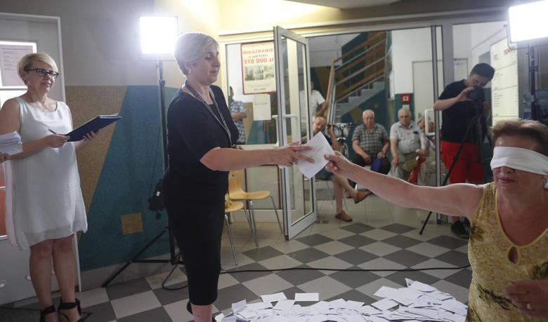 """III losowanie nagród w loterii Nowin """"Mieszkanie za Czytanie"""""""