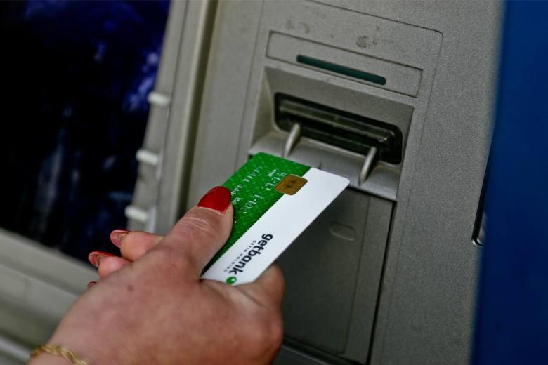 Bank nie musi nas informować o zajęciu pieniędzy. Informacje o zablokowaniu pieniędzy na koncie musimy otrzymać od instytucji, która zajęła nasze os