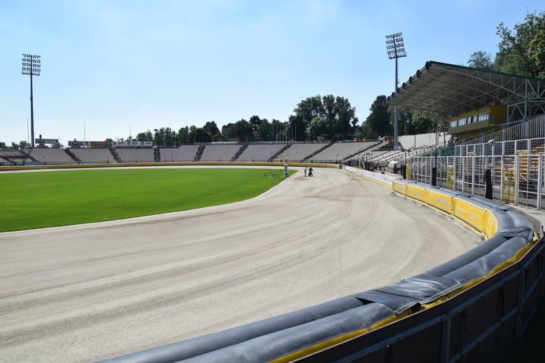 Piłka i żużel na jednym stadionie